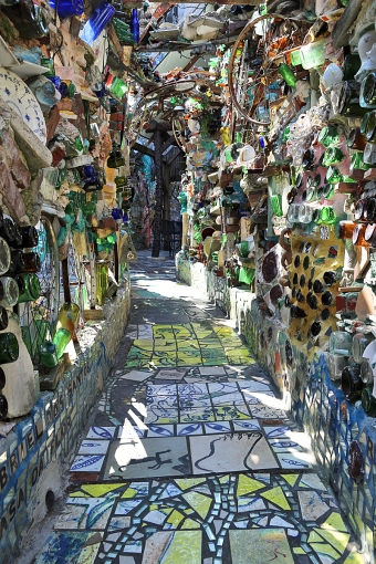16_04_25 9 Philadelphia's Magic Gardens CM_1285